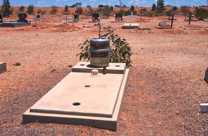 a miners grave, Coober Pedy graveyard