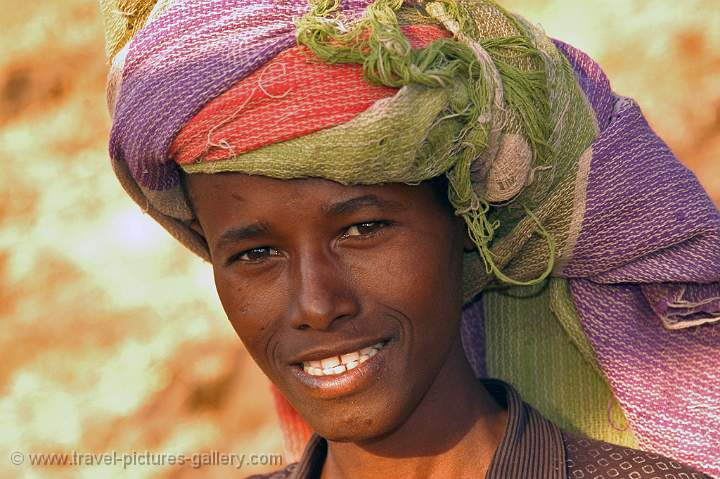 boy with a turban near Tis Isat (Blue Nile Falls)