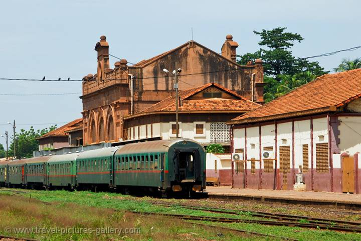 the train station was made famous by the Railband de Bamako