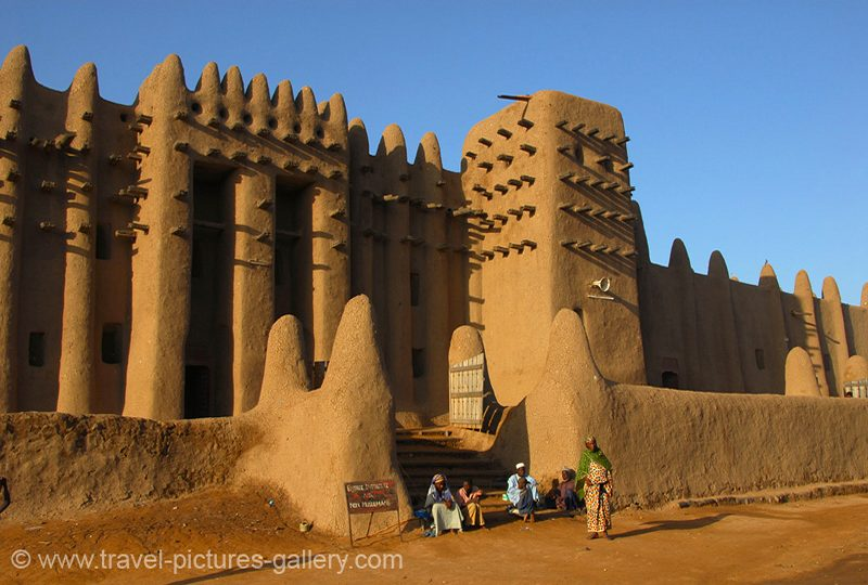 Mali - Djenné - the Grande Mosquée, Grand Mosque, adobe, mud brick architecture