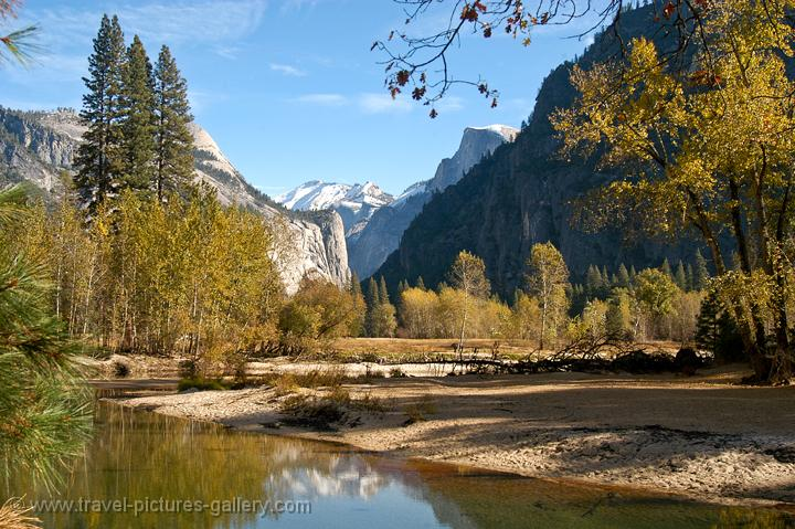 autumn valley views from the Merced River